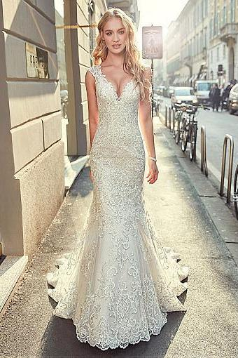Stunning Tulle V-neck Neckline Mermaid Wedding Dress With Lace Appliques & Beadings,W1314