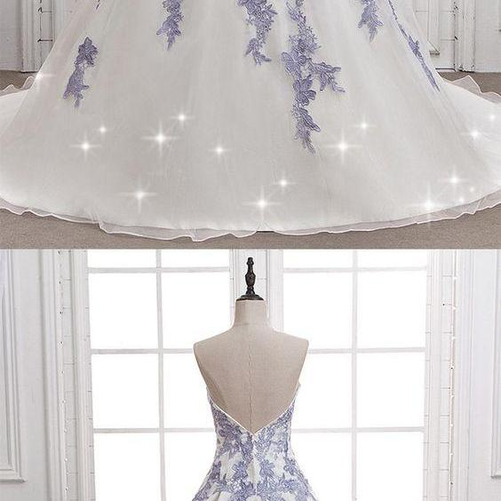 Amazing Organza Sweetheart Neckline A-line Wedding Dress With Lace Appliques